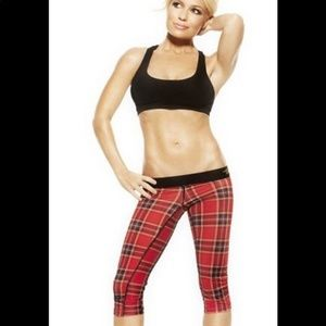 TRACY ANDERSON COLLECTION Red Plaid CAPRI M Ladies